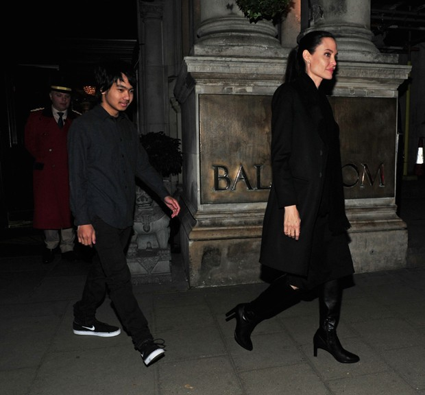 Angelina Jolie com Maddox (Foto: AKM/GSI)