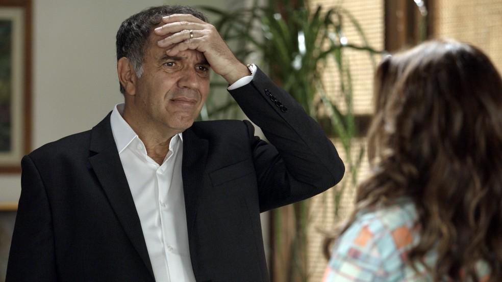 Eurico fica preocupado com o estado de Nonato (Foto: TV Globo)