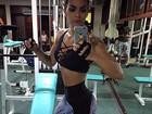 Kelly Key exibe cinturinha em academia no Rio