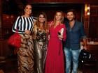 Ivete Sangalo janta com amigos famosos em churrascaria carioca
