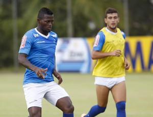 Riascos, atacante do Cruzeiro (Foto: Washington Alves / Light Press)