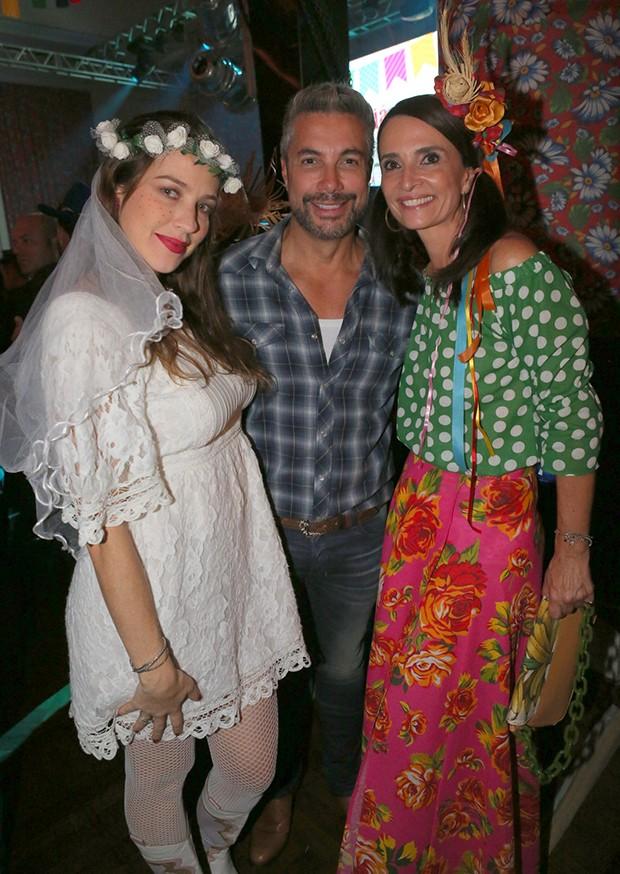 Luana Piovani, Pedro Scooby e Andrea Natal (Foto: Reginaldo Teixeira/CS Eventos Divulgação)