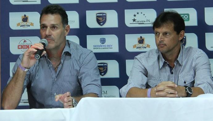 Carlos Germano e Sorato, auxiliar e técnico do Doze FC (Foto: Gabriel Peres/Doze FC)
