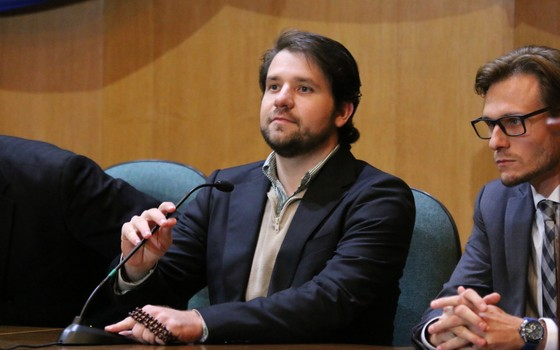 O ex-deputado Luiz Argôlo (SD-BA), acusado de participação em esquema de corrupção da Petrobras, diz que vai exercer o direito de ficar calado (Foto: Gisele Pimenta /Frame / Agência O Globo)