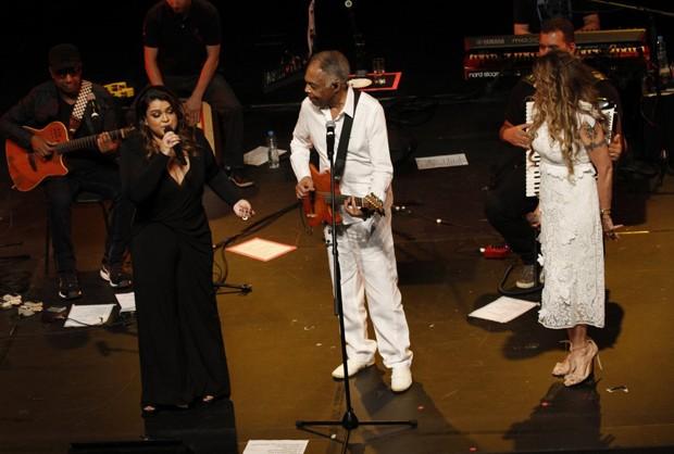 Preta Gil, GIlberto Gil e Elba Ramalho (Foto: Marcos Ferreira/Brazil News)