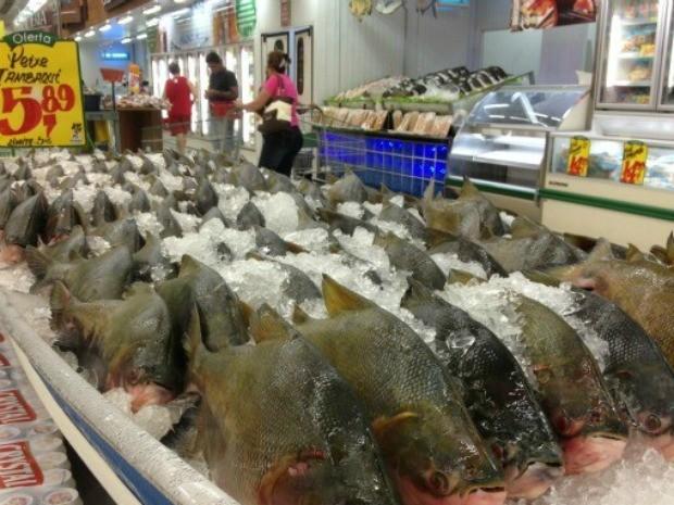 Tambaqui em supermercados chega a ser vendido por R$ 5,69 (Foto: Ivanete Damasceno/G1)