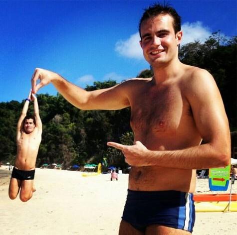 (Foto: T. Martins e Fercondini têm aulas de voo e curtem praia em Natal/ Foto: Arquivo pessoal)