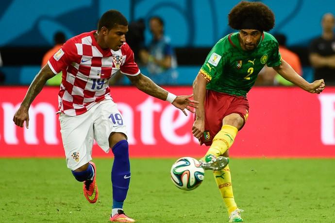Assou-Ekoto e Sammir Croácia x Camarões Arena Amazônia (Foto: AFP)
