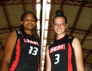 Bruna e Joice, de Uberlândia, foram convidadas para avaliação na Seleção Brasileira infanto-juvenil de vôlei (Foto: Marcos Vinícius Ribeiro / TV Integração)
