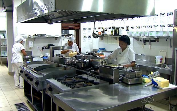 Restaurantes precisam seguir regras básicas de higiene (Foto: Acre TV )