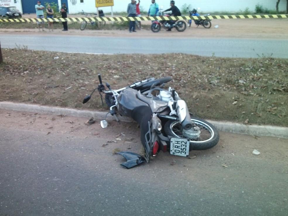 Acidente na MT-040 deixou duas pessoas mortas na manhã deste domingo em Cuiabá (Foto: Deletran Cuiabá)