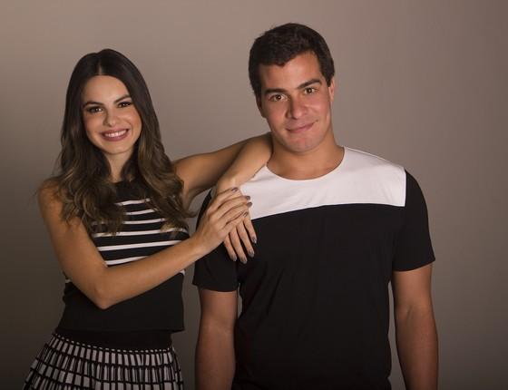 Sthefany Britto e Thiago Martins estreiam nesta sexta-feira (12) a peça O Grande Amor da Minha Vida (Foto: Divulgação)