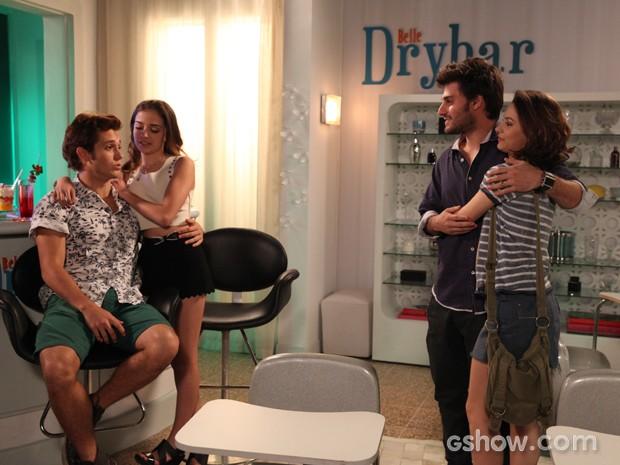 Serviana e Micartin comemoram o sucesso do novo 'DryBar' (Foto: Pedro Curi / TV Globo)