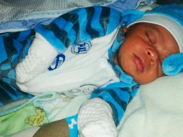Bebê de três meses foi sequestrado dentro de casa na Bahia (Foto: Arquivo pessoal)