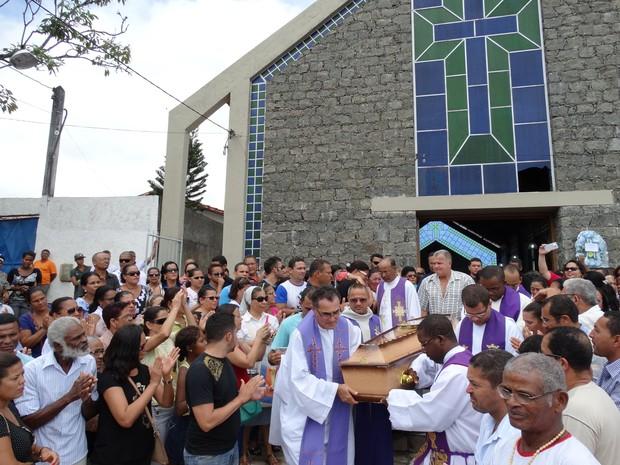 Missa realizada para velar o corpo do madre que morreu na quinta-feira (20), em Itabuna. (Foto: Imagens/ Giro em Ipiaú)