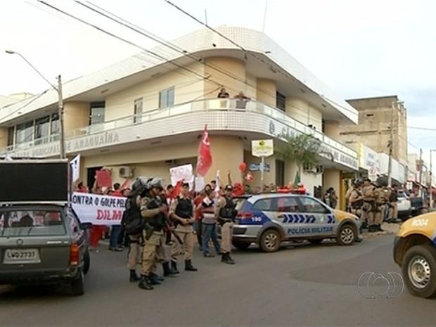 Manifestantes se reuniram também em Araguaína no norte do Tocantins (Foto: Reprodução/TV Anhanguera)