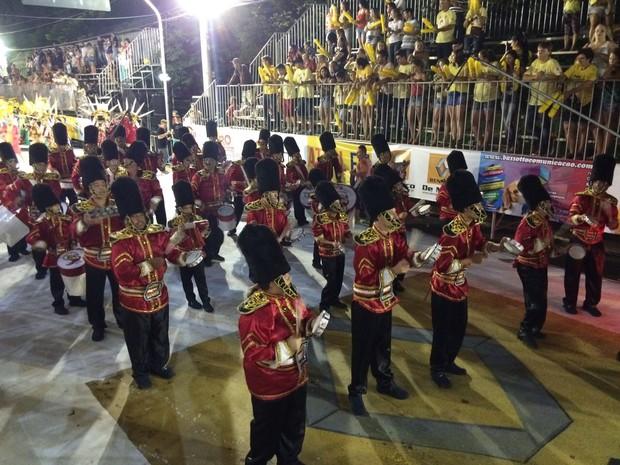 Bateria da Matriz do Samba fez a festa dos foliões no sambódromo de Concórdia (Foto: Isabella Fernandez/RBS TV)