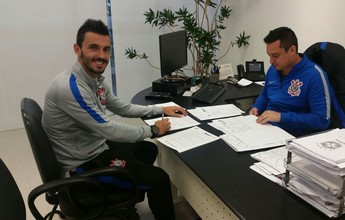 Corinthians renova com Uendel por mais um ano; lateral fica até 2018