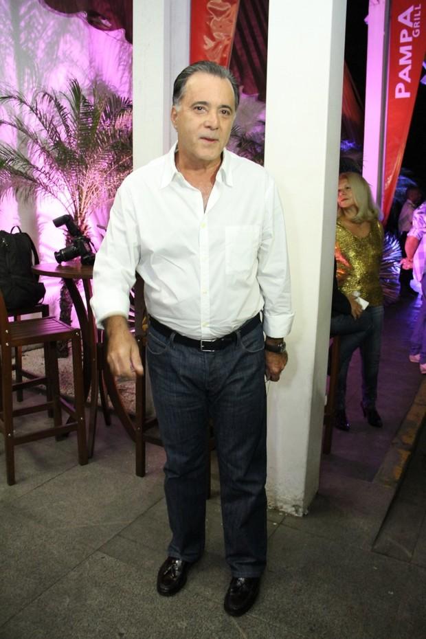 """Tony Ramos assiste ao último capítulo da novela """"Guerra dos Sexos"""" (Foto: Graça Paes e Thyago Andrade/ Foto Rio News)"""