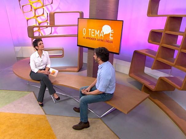 O linguista Marcello Marcelino responde as dúvidas dos telespectadores do Como Será? (Foto: Globo)