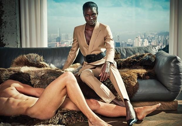 Campanha polêmica da marca holandesa Suistudio que deixou homens nus com a hashtag #notdressingmen (Foto: Divulgação)