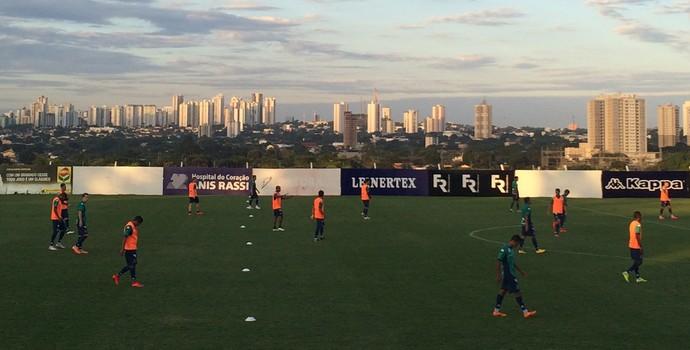 Jogadores do Goiás em treino tático (Foto: Guilherme Gonçalves/GloboEsporte.com)