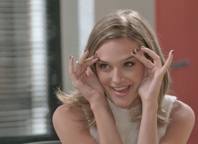 Cassandra viaja nas ideias! (Foto: TV Globo)