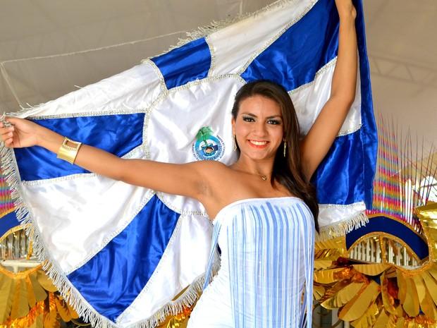 Vitória Coutinho, de 19 anos, rainha de bateria da Unidos do Buritizal (Foto: Fabiana Figueiredo/G1)
