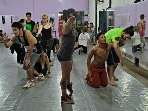 Espetáculo de dança urbana Temtrem? (Foto: Marcele A. Camy/Divulgação)