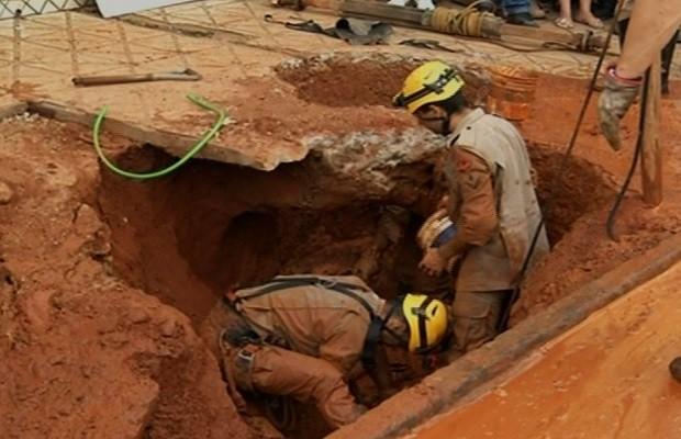 Homem morre soterrado enquanto furava cisterna em Anápolis, Goiás (Foto: Reprodução/TV Anhanguera)