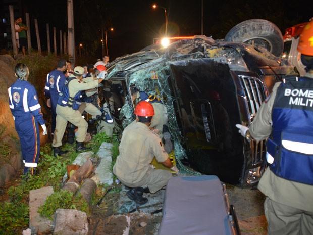 Acidente deixa duas pessoas feridas em João Pessoa  (Foto: Walter Paparazzo/G1)