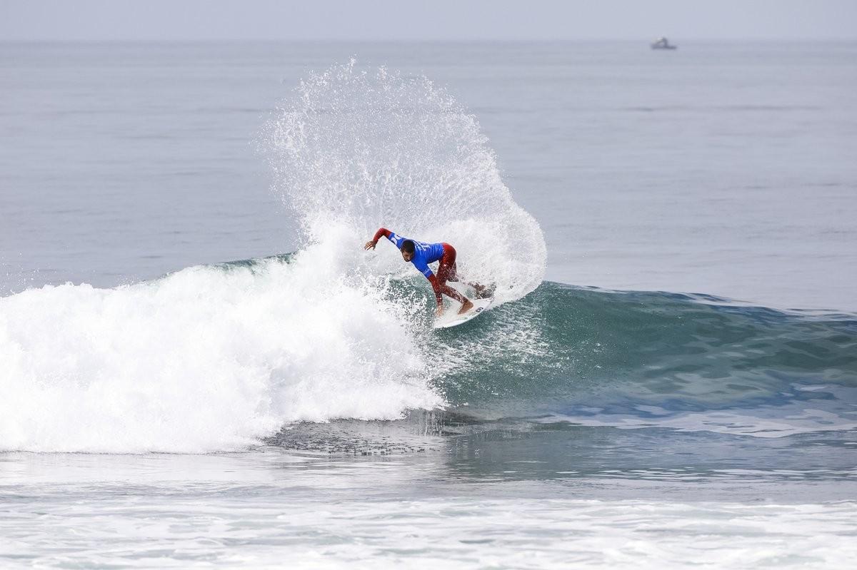 Felipe foi campeão de surfe na Califórnia (Foto: WSL)