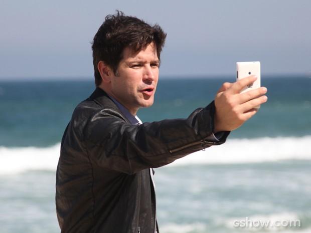 Jonas interrompe programação da Parker TV e dá recado aos jovens (Foto: Carol Caminha/TV Globo)