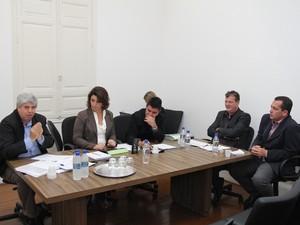 Secretário Antônio Martins presta depoimente à CEI em Araraquara, SP (Foto: Luís Fernando Laranjeira/Câmara Municipal)