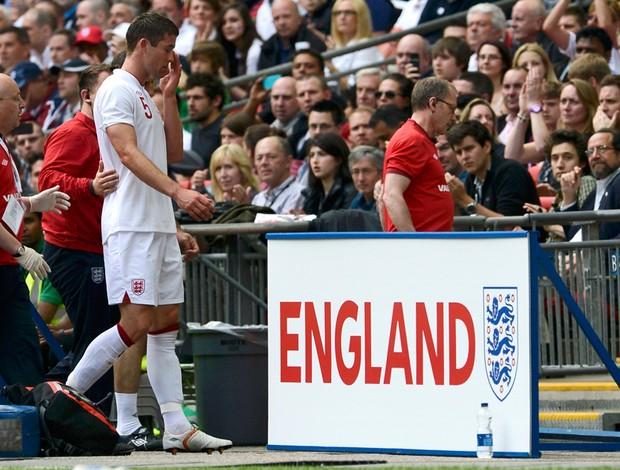 Cahill lesão Inglaterra (Foto: Reuters)