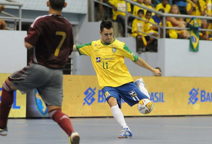 Neto futsal Brasil x Venezuela (Foto: Luciano Bergamaschi/CBFS)