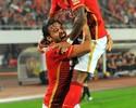 Com gol e bela jogada de Paulinho, Evergrande leva duelo de Guangzhou