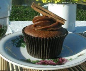 Cupcake sem glúten de chocolate com brigadeiro