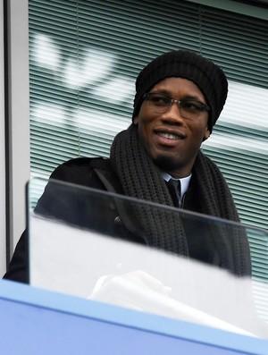 Drogba em camarote do Stamford Bridge durante Chelsea x Arsenal (Foto: EFE/EPA/WILL OLIVER)