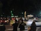 Manifestantes comemoram no RS abertura de processo contra Dilma