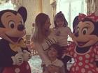 Carol Celico viaja com os filhos para a Disney e posta registro