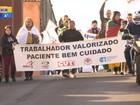 Com salários atrasados, servidores de hospitais protestam em Cruz Alta
