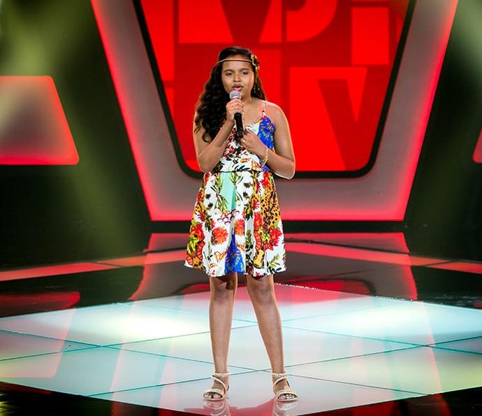 Júlia Ferreira levou música de Manu Gavassi para o palco do The Voice Kids (Foto: Isabella Pinheiro/Gshow)