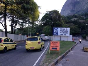 Canteiro de obras na entrada do Elevado do Joá, em São Conrado  (Foto: Káthia Mello/G1)