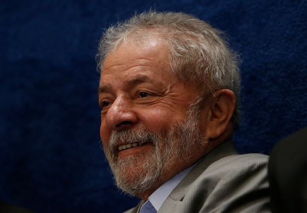 O ex-presidente Luiz Inácio Lula da Silva acompanha julgamento do impeachment de Dilma Rousseff (Foto: Igo Estrella/Getty Images)