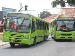 Acidente ônibus (Foto: Wenner Tito)