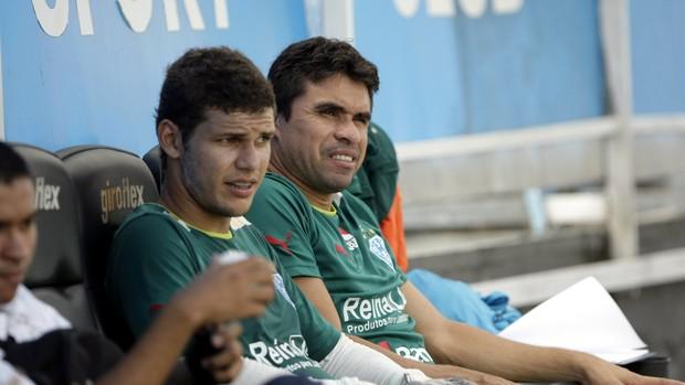 goleiro Paulo Vítor e volante Vanderson durante treino do Paysandu (Foto: Marcelo Seabra/O Liberal)