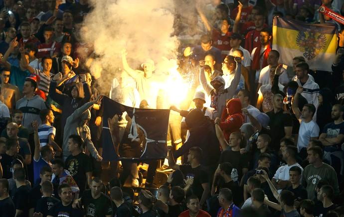 Torcida, Albânia X Servia (Foto: Agência Reuters)
