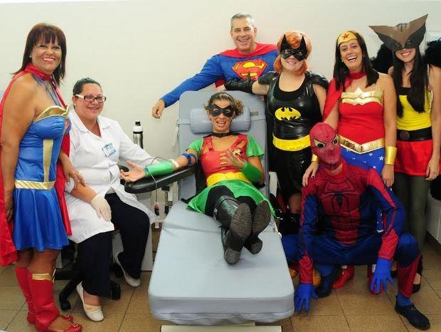 Heróis na luta contra o câncer infantil doam sangue em Piracicaba (Foto: Antonio Trivelin/acervo pessoal)