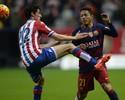 Promotoria de Barcelona denuncia lateral Adriano por fraude fiscal